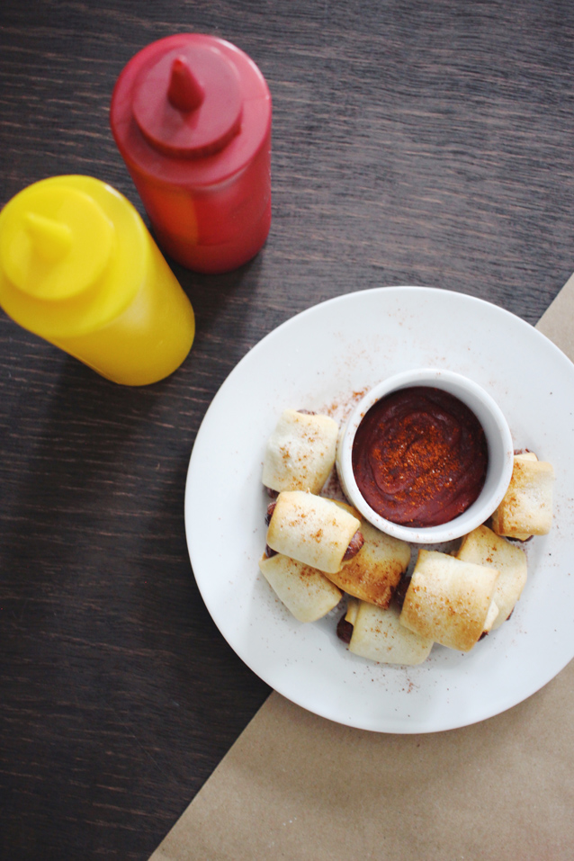 spicy chipotle ketchup recipe for game day   via Finding Beautiful Truth