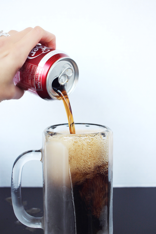 DIY Dr Pepper soda bar + tailgating tips | via Finding Beautiful Truth